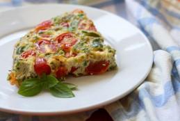طريقة البيض بالطماطم وصلصة البيتزا بالصور