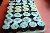 طريقة عمل السوشي الياباني في البيت بالصور