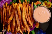طريقة عمل  فرايز البطاطا الحلوة بالصور