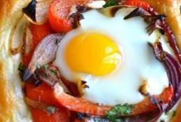 طريقة تحضير فطائر البيض والفلفل الاحمر