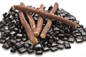 فوائد جذور العرقسوس الصحية في علاج الاكتئاب وفقدان الوزن