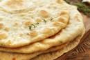 طريقة عمل خبز لبنانى بالبصل