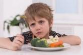 عادات خاطئة تؤثر سلبا على تغذية الطفل وصحة غذاءه